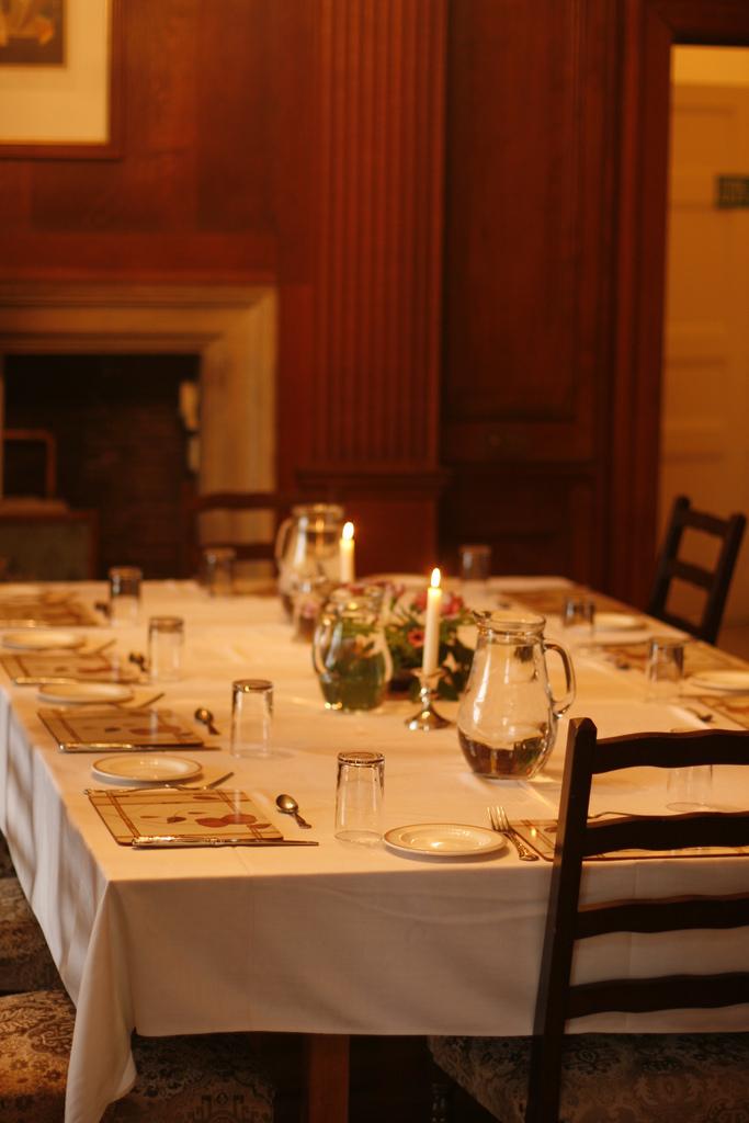 The dining room. Image © Zoe Weston.